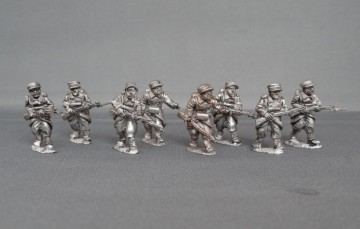 Belgian infantry in Yser cap advancing