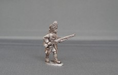 Grenadier in Bearskin advancing high porte wssg07