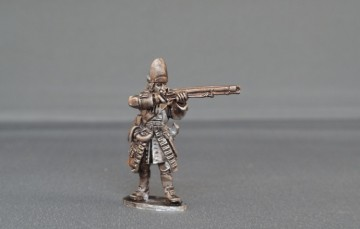 British Grenadier stood giving fire WSSBG01