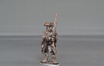 French Grenadier presenting arms WSSFG02