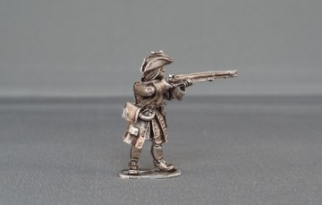 Musketeer with cockade stood firing WSSMC01