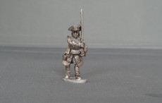 Musketeer of Gardes Francaises and Suisses marching WSSMGF04