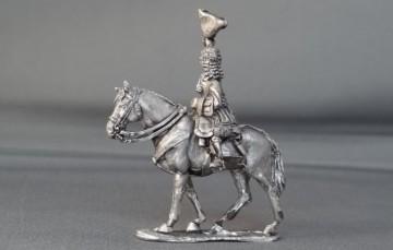 General officer waviing hat on walking horse WSSGOF08