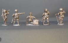 28mm Japanese command in helmets. KMWW2JCOM 01