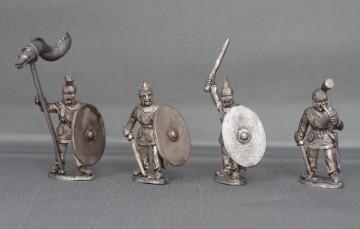 28mm Late Roman unarmoured Command LRC01