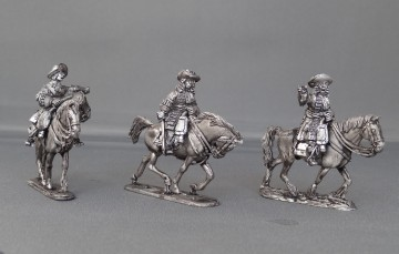 Dragoon command in floppy hats trotting WOTLOADC02