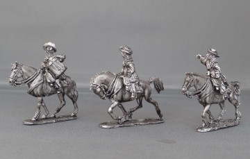 Dragoon Regiment in floppy hats trotting WOTLOADR02